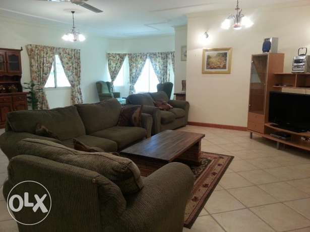 huge spacious 4 bed room for rent in upclass area JUFFAIR