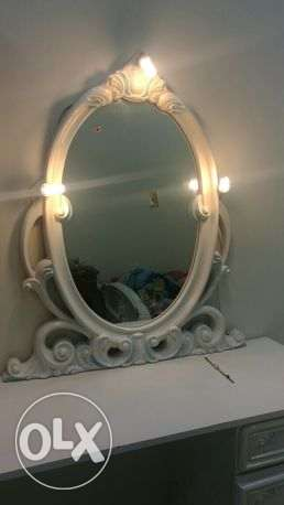 15 BHD Dressing table with mirror for sale
