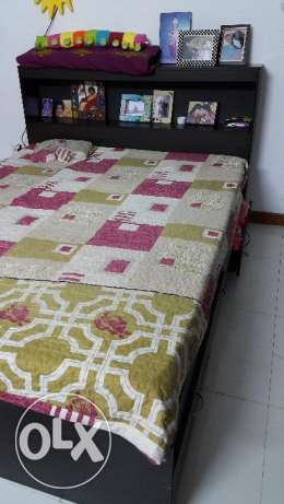 Queens bed with mattress