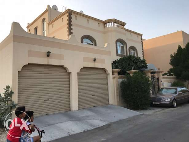 for sale villa in janabiyah from the owner