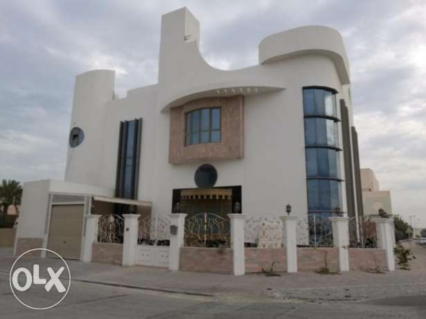 Lovely & Elegant 5 bedroom villa for sale at Saar