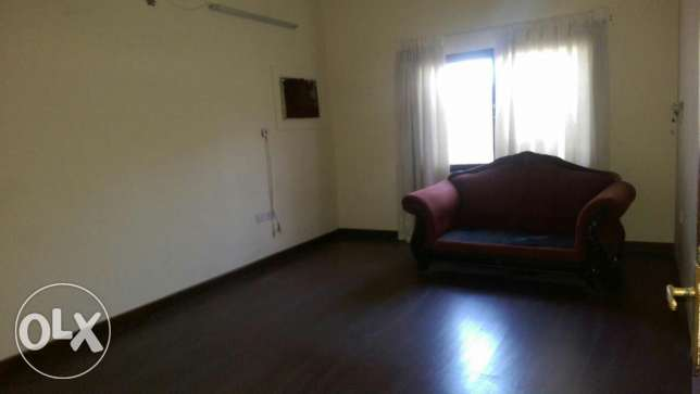 Hoora, 3 BEdrooms 2 Bathrooms big hall and Kitchen Balcony