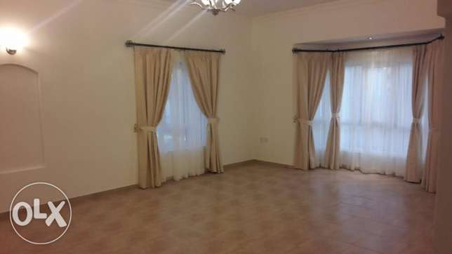 Brand new 3 BR in Saar / Pool / Gym