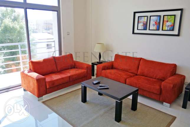 Stylishly Furnished 3 Bedroom Apartment!