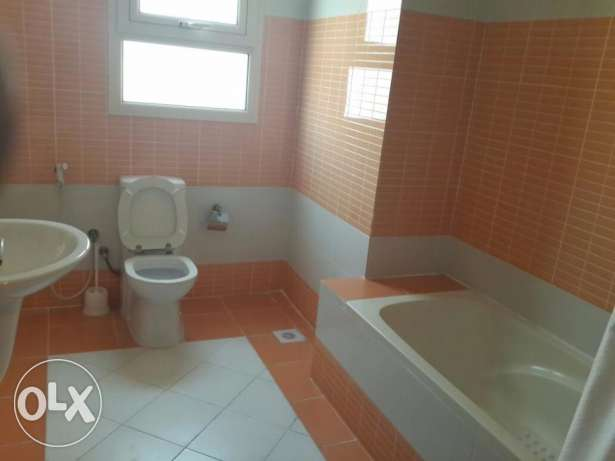 Arabian Houses Properties FF 2 BR Juffair Call (Aleena) جفير -  7