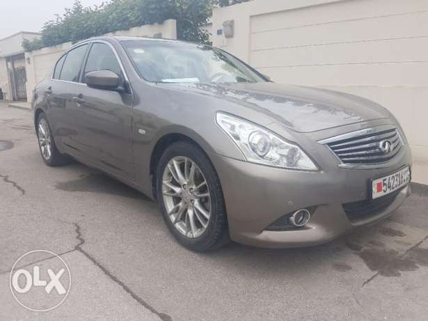 Infiniti G37s in excellent condition.