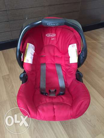 Graco can seat with a base