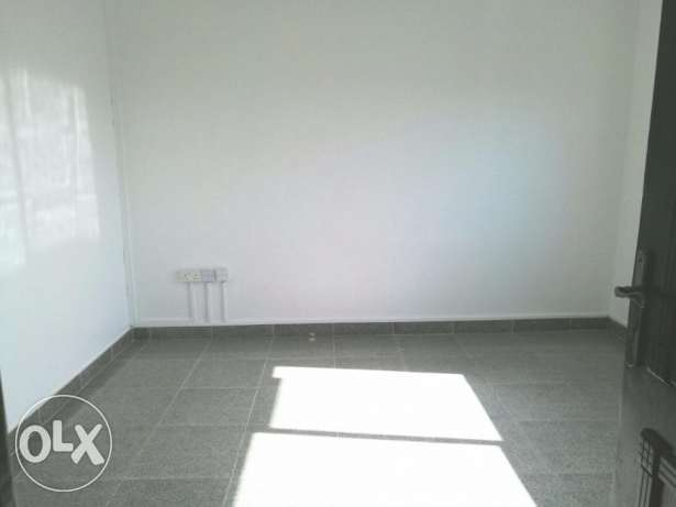 COMMERCIAL FLAT-4rooms,2bathrooms,hall,lift,pantry,parking