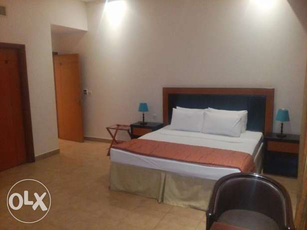 FULLY FURNISHED-2BHK-Pool,Gym,House keeping, lift,parking Internet