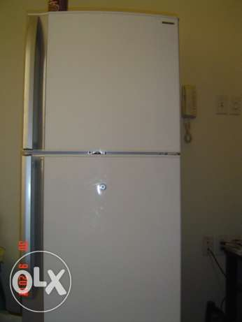 "Excellent Refrigerator 10"" (292 L) / Sharp / excellent condition"