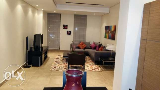 Awesome two BR apartmnt/Sanabis/balcony/housekeeping/Internet/pool/gym
