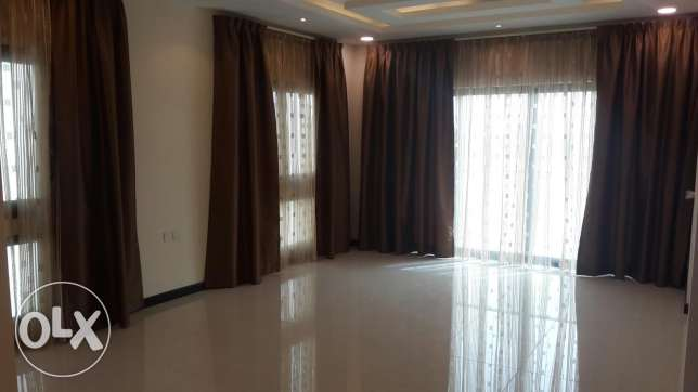Brand new 3 BR flat in Janabiya / Brand new
