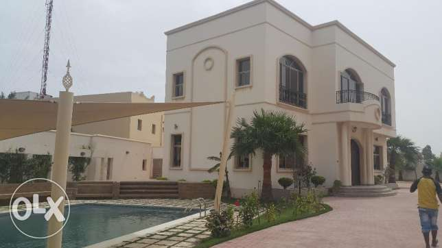 Semi-furnished Compound 4 Bedrooms Villa for Rent in SAAR Central