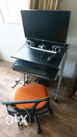 Computer table and accessories (chair+monitor+wireless k/b+mouse)