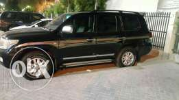 Land cruiser family used suv