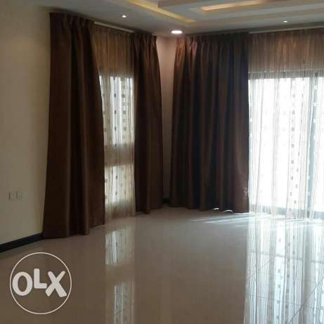 Brand new 3 BR flat in Janabiya, Balcony