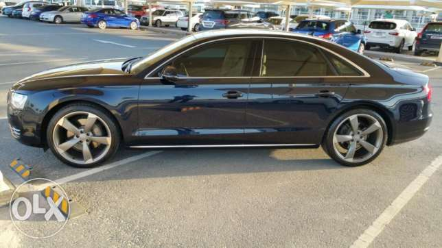 AUDI A8. 13000 KM. under warranty and service package