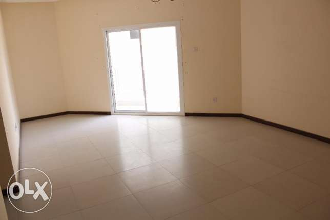Brand new 2 Bedroom unfurnished flat in New hidd