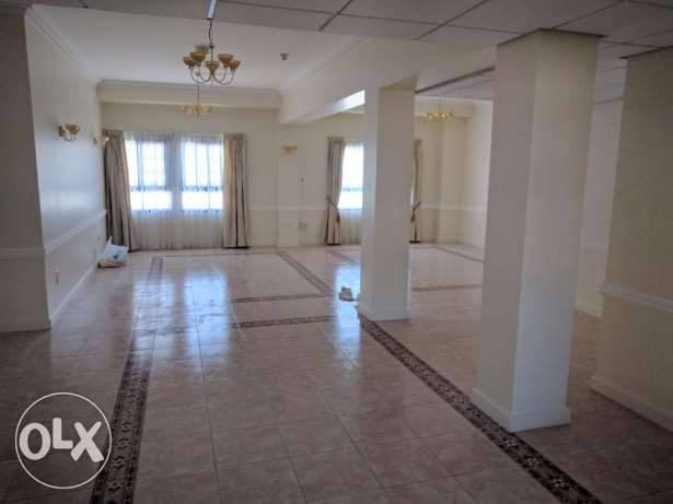 4 Bedroom semi furnished penthouse for rent at Seef