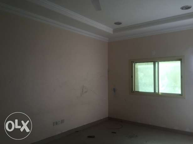 2 Bedrooms Unfurnished Apartment in Sanabis