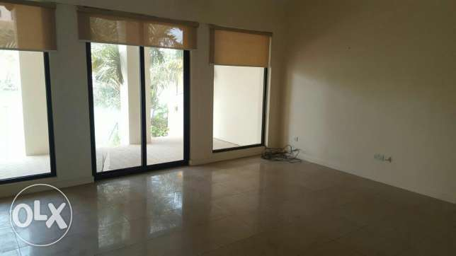 3br villa for rent in Amwaj Island - floating city