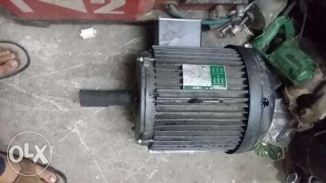 MOTOR TEFC 15HP 1750RPM 230/460V 3PH 215TFR