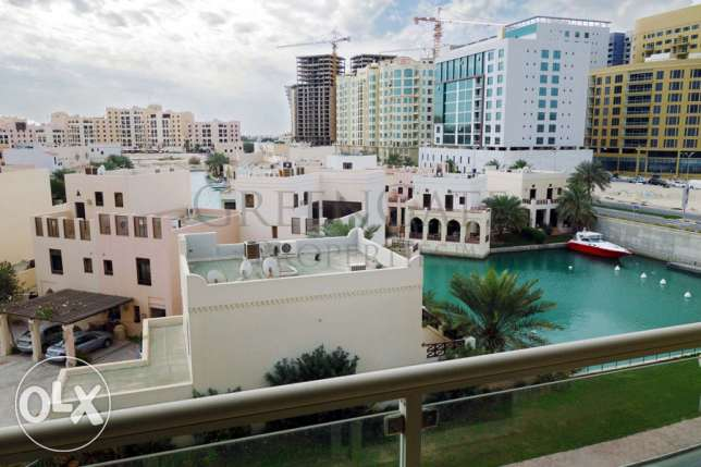 Amazing 2 Bed Apartment with Lagoon View