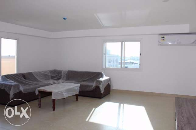 2 Bedroom Bright f/f Penthouse in Saar