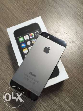 iPhone 5s space grey 32 GB... 85 BHD