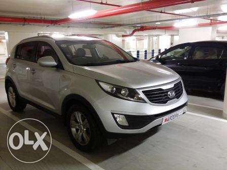 Urgently KIA sportage 2013 silver for sale.