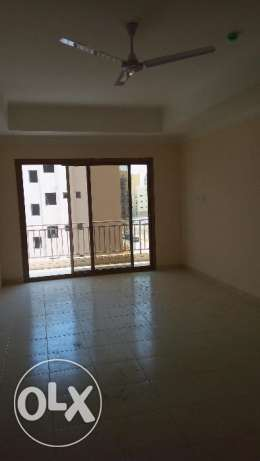 3 BR UnFurnished Apartment in Hidd