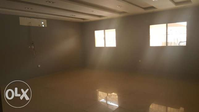 New Hidd: 2 bedroom unfurnished huge apartment for rent on ground floo