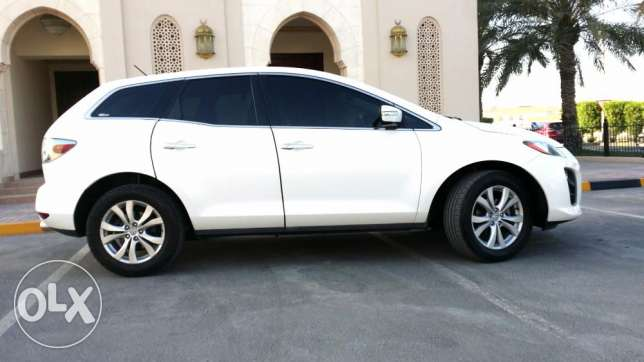 Mazda cx7 2011 full option well maintained