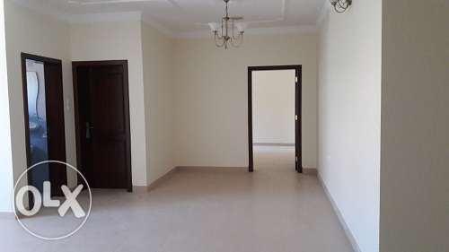 3 bedroom 4 bath very large un furnish apmnt in Busaiteen BD. 350/-