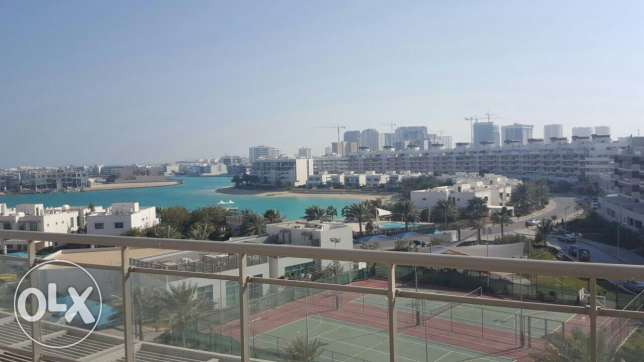 Sea view 3 BR flat in Amwaj
