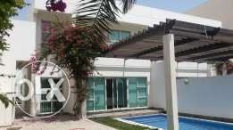 Fabulous lovely large 5 bedrooms villa fully furnished with huge priva