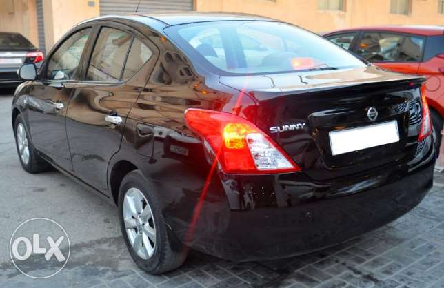 Nissan sunny 2013,full option,good condition,without down payment.