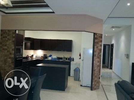 Spacious 2 bedrooms in family building