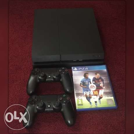ps4 for sale with 2 controller and fifa 16 1tb