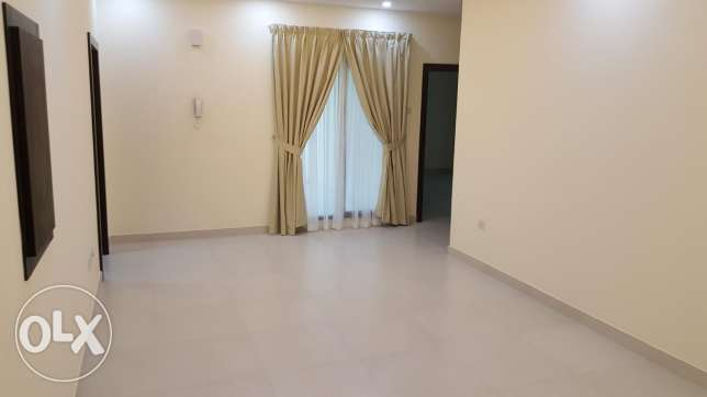 New hidd, 3 BHK flat unfurnished with balcony & sea view