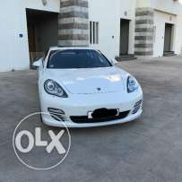 For sale Porsche Panamera 4s v8 under warranty like new accident free
