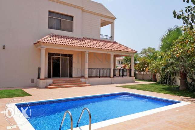 4br Spanish Style Home with Large Garden
