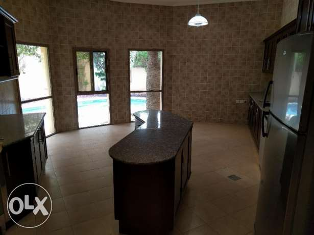 4 Bedroom semi furnished villa with private pool & garden - inclusive جانبية -  3