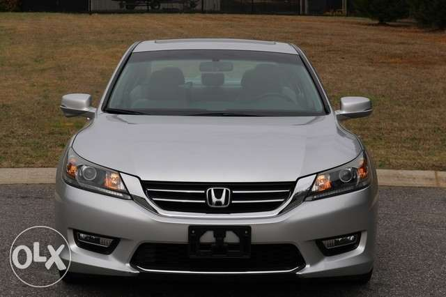 Honda accord Like new 2013 MODEL