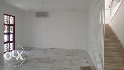 3 Bedroom commercial villa for rent at Mahooz BD. 1000/- Exc