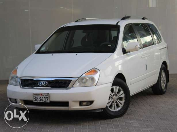 KIA Carnival 2011 White For Sale