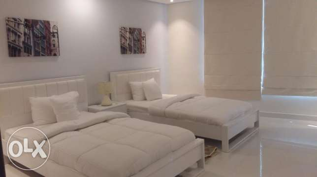 Brand new 2 Bedrooms apartment with modern furniture fully furnished n جزر امواج  -  4