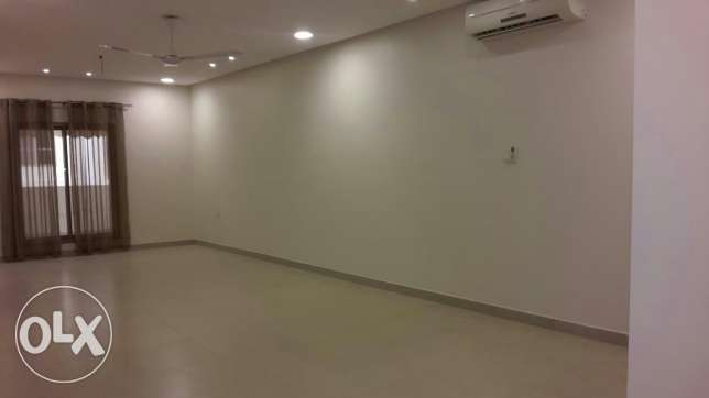 Commercial office for rent in Hamala