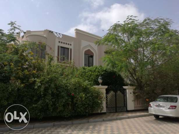 5 bedroom villa with private garden & pool for rent at Jasra