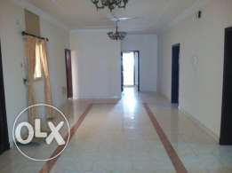 OFFICE FLAT - 3 rooms, 3 bathrooms, hall, lift, kitchen, parking